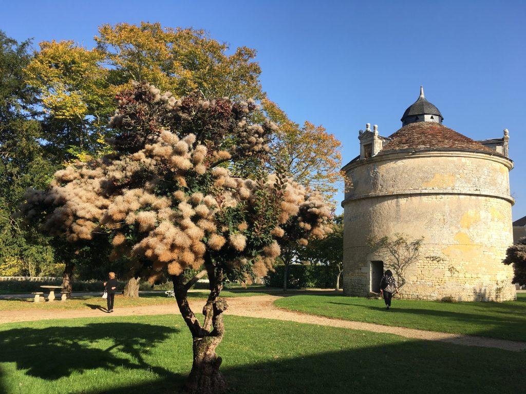 Pigeonnier classé monument historique au chateau de panloy