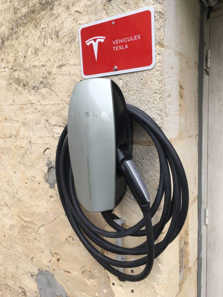 borne de recharge de véhicule électrique Tesla