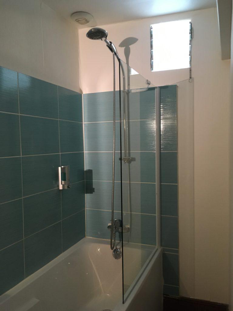 salle de bain d'une sujité falimiale