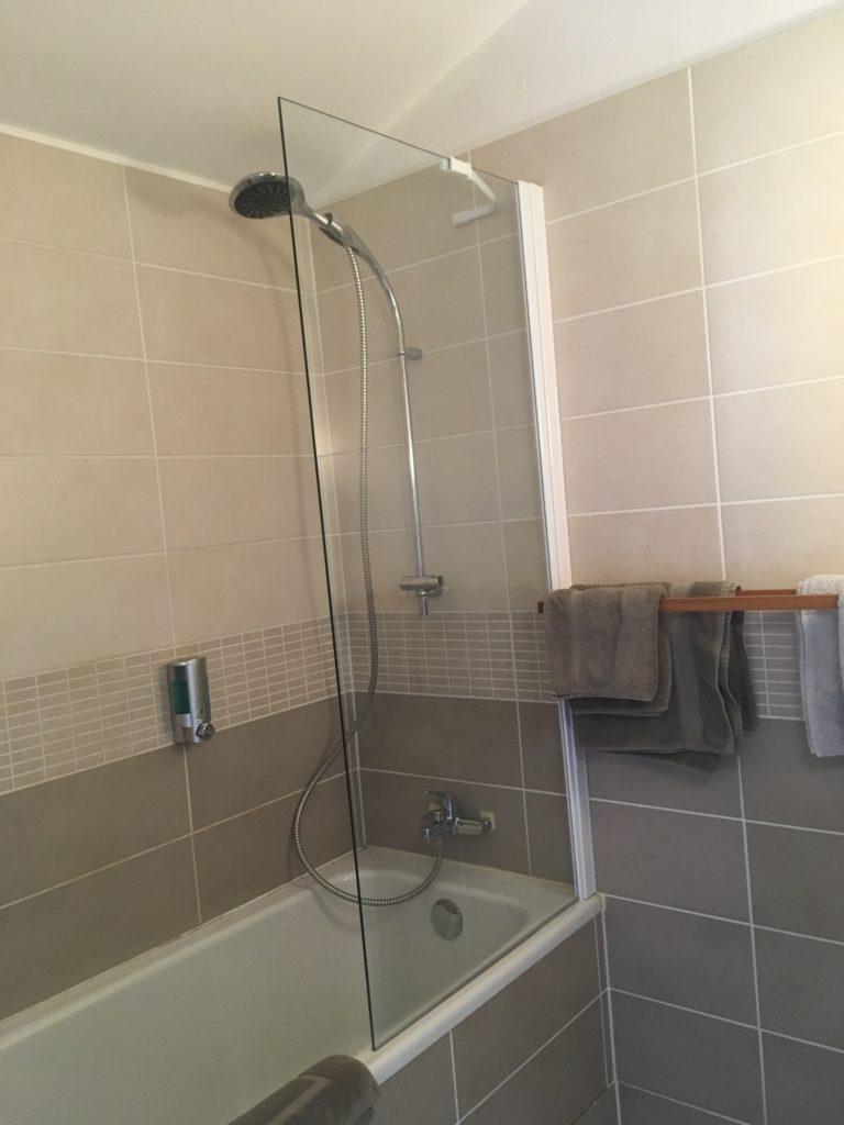salle de bain d'une chambre confort