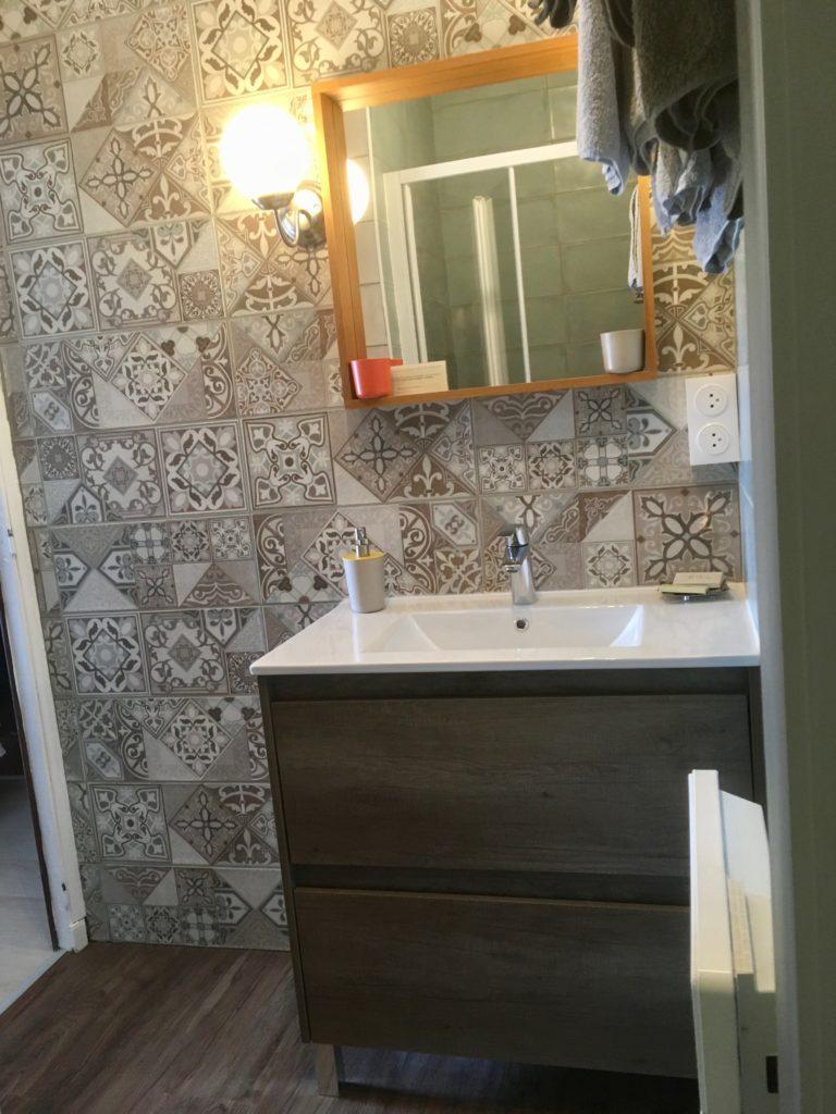 nouvelle salle de bain de la chambre confort N°7 au domaine du prieuré